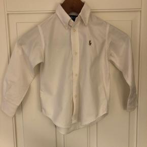 Fin skjorte, ingen mærker.