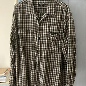 Skjorte fra Ralph Lauren. Fejler intet, 100% cotton☺️