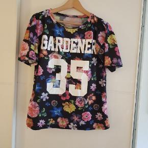 Fin blomster t-shirt😍