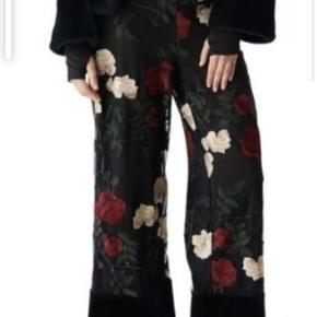 Ganni Simons bukser str S. Så smukke. Kun brugt ganske sparsomt og i perfekt stand.