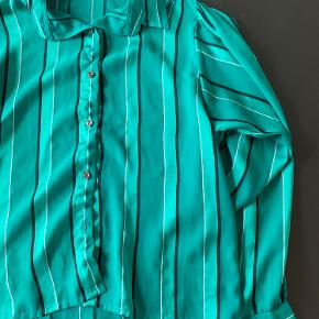 Vintage skjorte, svarer til str S God men brugt