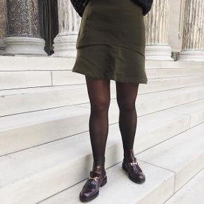 Flot nederdel fra neo noir i str small, brugt få gange