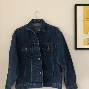 Mærke: Fever Jeans Købt fra vintage-butik. Aldrig brugt siden køb.