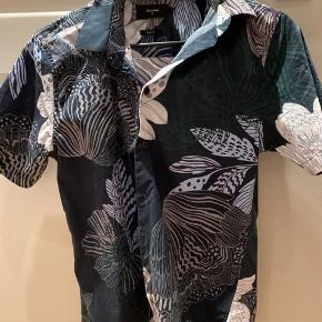 Matinique Sommer skjorte  Cond: 8-9 Nypris: 500-600 Byd gerne