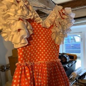 Flotteste flamingo kjole til fastelavns...