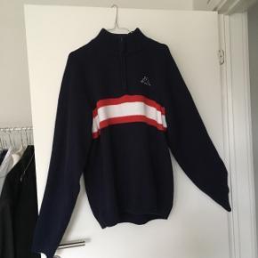 Fed mørkeblå retro/vintage trøje/sweater med røde og hvide detaljer 💙 Byd!