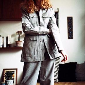 Lovechild sæt  Harvey pants og jakke  Np var ca 3000 Sælges for 1500 inkl for både jakke og bukser Begge str 38