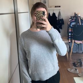 Lækker trøje fra Calvin Klein, den er købt i USA og i rigtig fin stand
