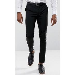 ▪️Super Skinny Trousers fra ASOS✅▪️Str. W31 (78.5cm) - L30 (76cm)🚶🏻♂️ ▪️aldrig brugt og kommer i emballage🎩