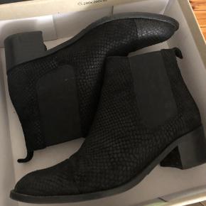 Sælger disse fine støvler fra Bianco, da de desværre er lidt for små. De er brugt få gange og i rigtig fin stand