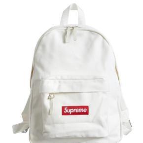 Helt ny Supreme backpack fra fw20 Mp: 1400 Bin: 1800