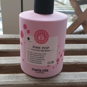 Maria Nila Pink Pop Colour Refresh  Har prøvet den én gang og er mere end halvfyldt.