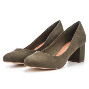 Super fine sko i ruskind.Brugt en enkel gang, fremstår som nye.