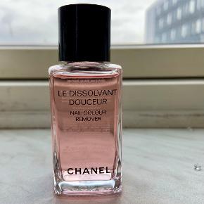 Chanel negle & manicure