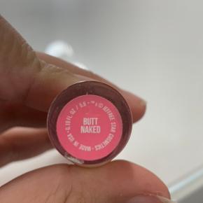 Jeffree Star Cosmetics VLL i farven butt naked. Kun swatchet