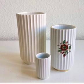Gamle Lyngby vaser. 6cm, den er i perfekt stand. 250kr. 12cm med blomster. Den har 2 forskellige motiver og guldkanten er helt intakt, perfekt stand. 400kr. 15,5cm, den har en mini knop i glasuren ved foden, ellers er den perfekt. 500kr. Sender gerne eller de kan hentes i København. Fast pris.