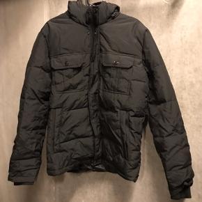 Aldrig brugt flot Jack and Jones jakke. Størrelse:L