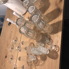 Sælger alle disse glas. BYD, skal bare hurtigt af med dem.