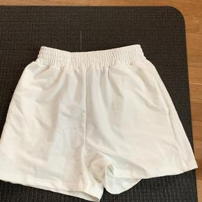 Shine shorts