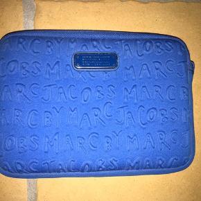 Marc by Marc Jacobs ipad mini cover Kan også bruges som clutch Fin stand uden pletter