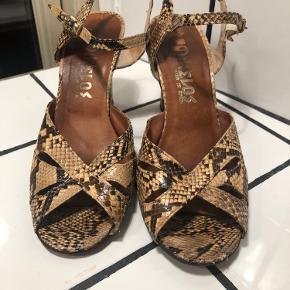 Retro heels