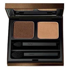 Yves Saint Laurent øjenskygge - Ombres Vibration Duo - Eye Shadow Duo - 6DB 3  Rigtig fin kvalitetsøjenskygge fra YSL i brunlige nuancer. Kun brugt 1 enkelt gang. På billede 3 ses de få brugstegn.   [NB: se også alle mine andre flotte og billige varer i shoppen]
