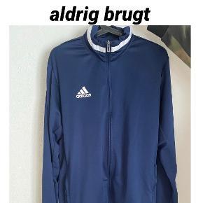 Adidas bluse