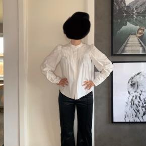 Brand: Tiger Of Sweden Stylenavn: HUSTLE Materiale: 100% polyester