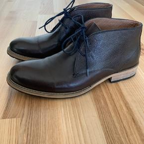 Mærke: TGA BY Ahler, læder støvle, størrelse 39-40, brugt en enkelt gang og fejler intet.