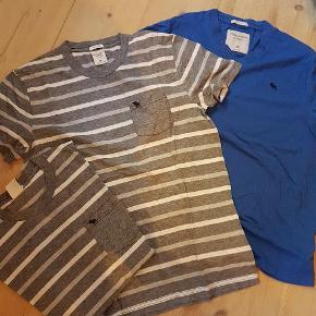 Pæne t shirts str M. Den ene grå er str L. Pr stk 40 kr plus porto