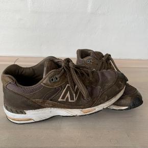 Sælger mine NB 991. Skoen er brugt, hvilket ses på billederne, men stadig i fin stand.