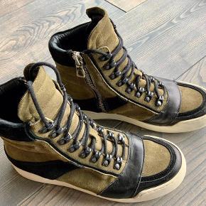 Balmain X H&M støvler