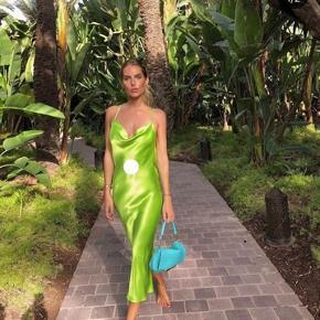 Flotteste kjole fra Rat and Boa, aldrig brugt, da corona aflyste galla. Kjolen er i den lækreste kvalitet.  Tags: Galla kjole, Rat and Boa, Saks Potts, Stine Goya, Ganni, Bryllup
