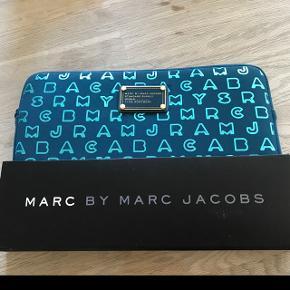 """Marc Jacobs pc taske passer til 10"""", aldrig brugt."""