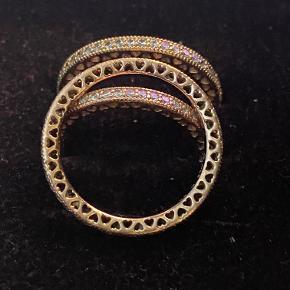 Pandora hjerte ringe i str 56-56-, sælges samlet for 500 kr, enkelt vis 300 kr, ny pris pr stk 749 kr ( den ene er solgt )