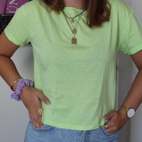 Neon grøn t-shirt