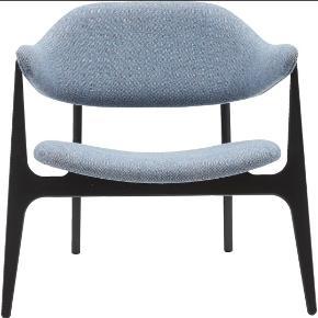 Har ingen skader. Er helt som ny.  Har desværre ikke plads til stolen længere og må derfor sælge. Har selv været RIGTIG glad for den. Nypris: 5000 kr. ILVA