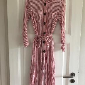 Skjorte-kjole med bindebånd