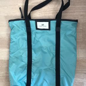 Meget praktisk taske i superfin stand.