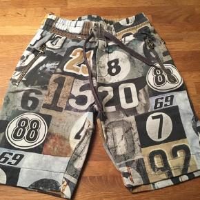 Varetype: Shorts Farve: Multi
