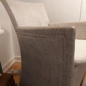 Sælges, god siddekomfort. Har 2 stk. Har stået inde og på lukket altan. Nypris var 798, stk. Kun afhentning. Stk. Pris 150. Vist ude og inde på billederne. Byd gerne.
