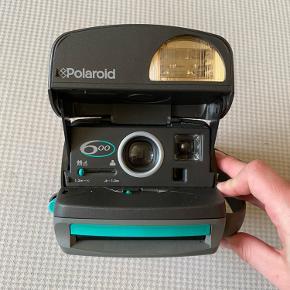 Gammelt Polaroid kamera. Sælges ikke længere.   Billeder medfølger ikke.