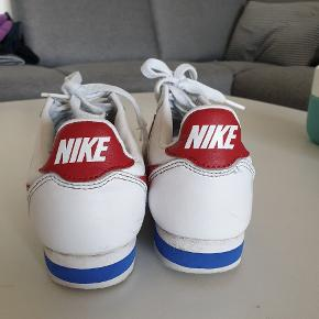 Nike sko str. 37. Brugt 10x. Bud modtages.