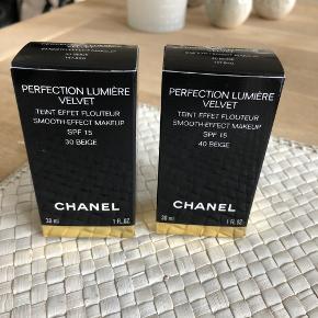 Aldrig åbnet.  Chanel Perfection Lumiere Velvet Foundation.  30 Beige og 40 Beige 250 kr. pr stk.
