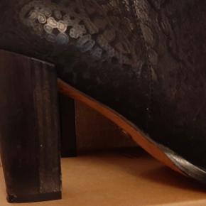 Neosens støvler