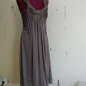 Stills kjole