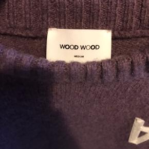 Klasse uld-sweater i lilla farve :))
