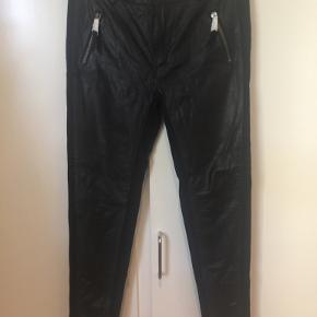 Black Lily bukser