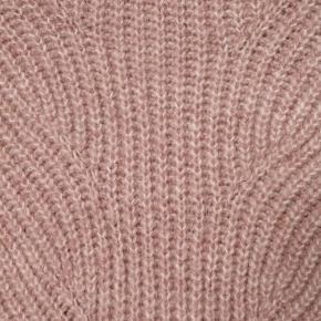 Lækker varm strik i rosa farve fra Rosemunde, kun brugt 3 gange.