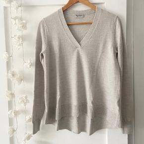 Repeat sweater